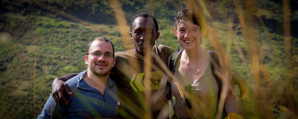 Julie et Michel en compagnie de John au cratère Menegai