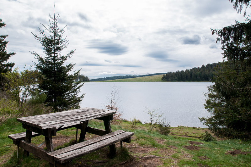 Le lac des Servières, propriété de l'entreprise Michelin © Michel Dvorak / Du Monde au Tournant