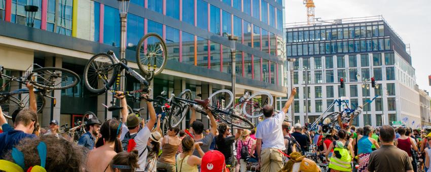 masse critique à Bruxelles : la vélorution du 12 juillet